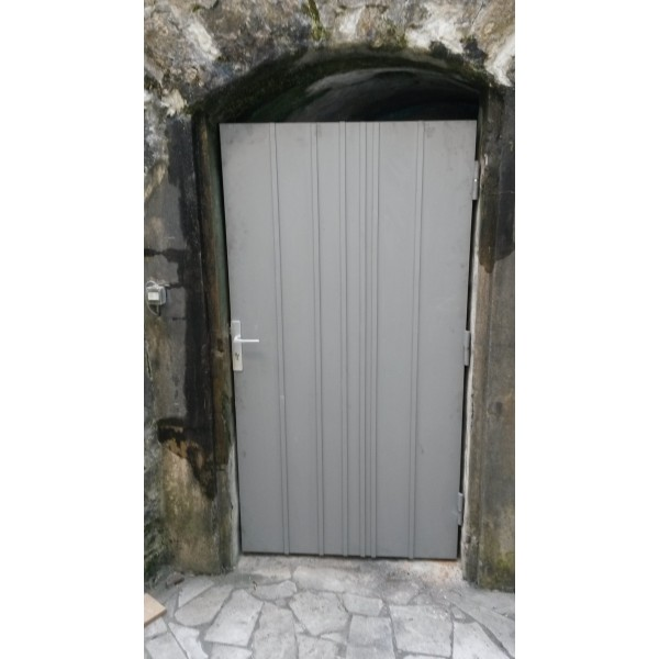 Porte de cave sur mesure 20170809063604 for Porte metallique de service